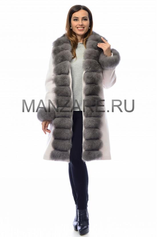 Шерстяное пальто с мехом песца 100 см, цвет молочный арт. 2410-002